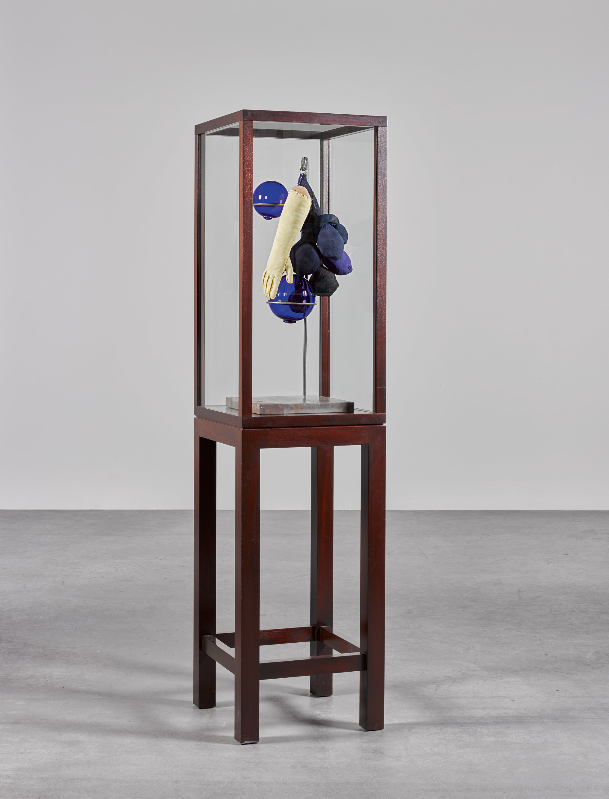 Louise bourgeois life in sculpture
