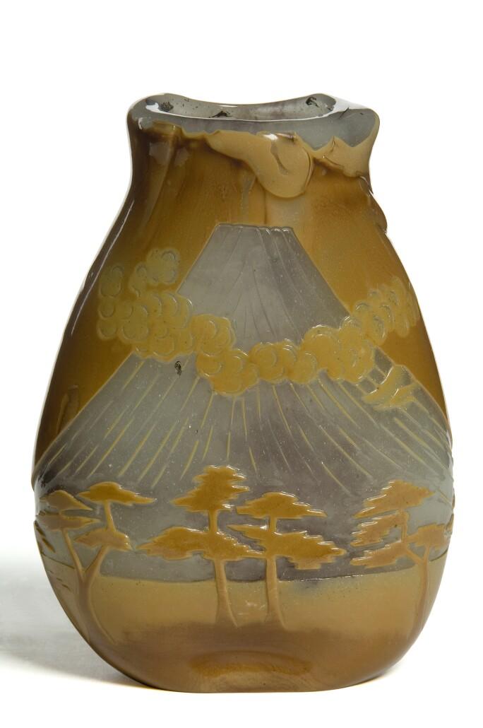 Decorative French vase with Japonisme influences.