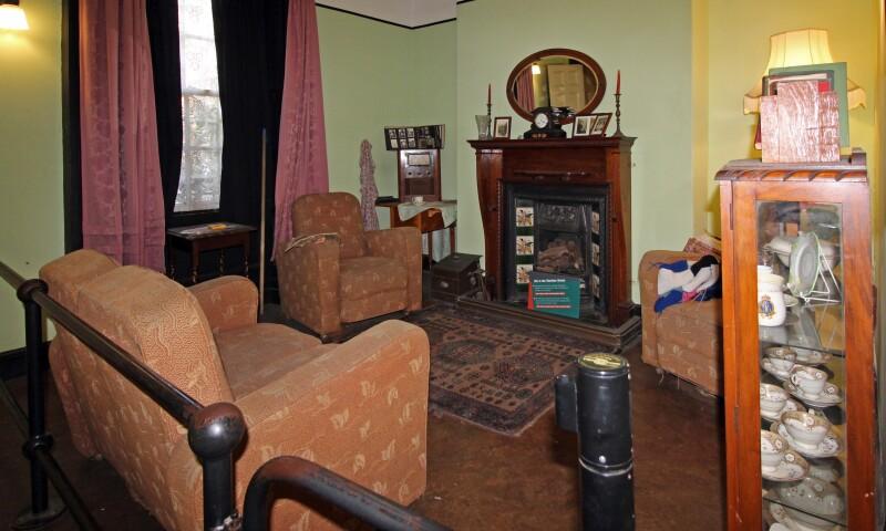 Lounge,_Piermaster's_House,_Albert_Dock_1.jpg