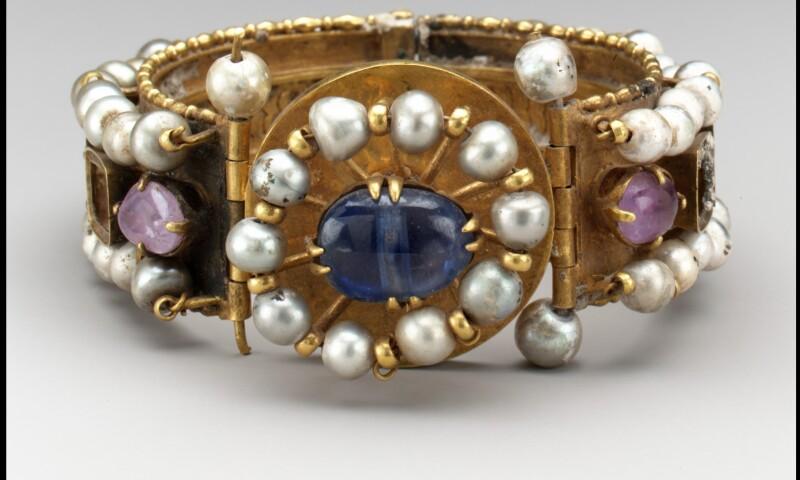 Met Jewelry Exhibition.jpg