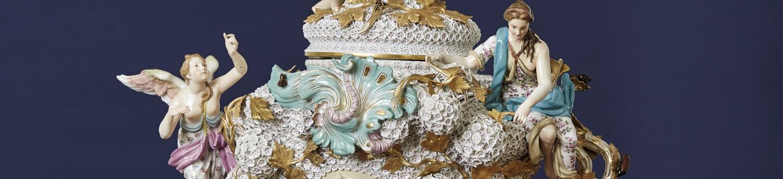 A Meissen schneeballen vase in an auction selling Meissen porcelain