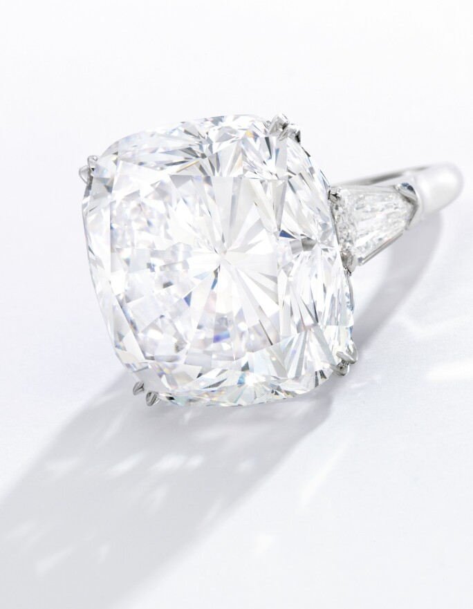 n09951-larger-than-life-diamonds-cushion.jpg