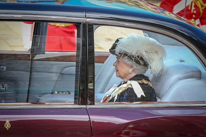 garter-ceremony-queen-640.jpg