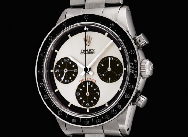 Rolex submariner watch in an auction selling watches