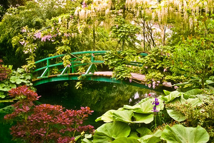 giverny-japanese-bridge.jpg