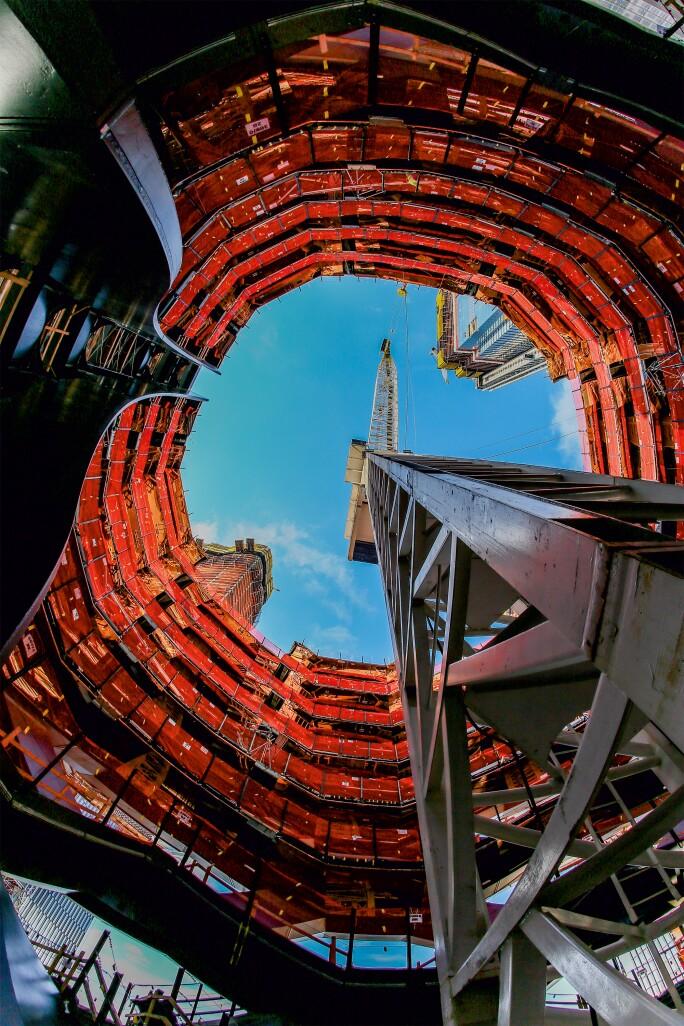 Heatherwick-Vessel-Interior-View-courtesy-of-Related-Oxford.jpg
