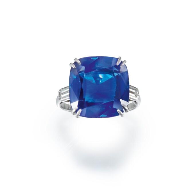 Chaumet, Sapphire and diamond ring