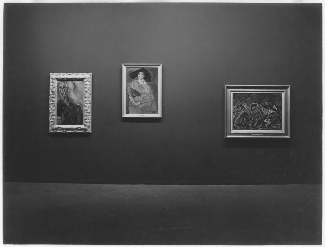 Chaïm Soutine, La Femme en rouge, oil on canvas, circa 1923-24, photographed at The Museum of Modern Art exhibition, 1950