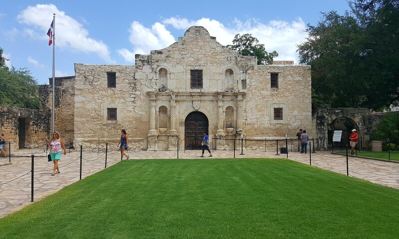Exterior view of The Alamo. Photo: Elber1981. CC-BY-SA 4.0. Accessed via Wikimedia Commons