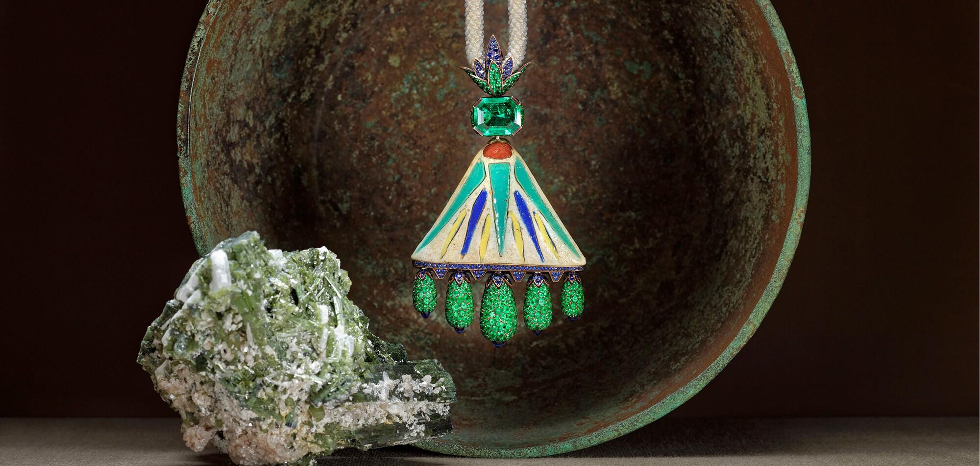 hemmerle-faience-necklace.jpg