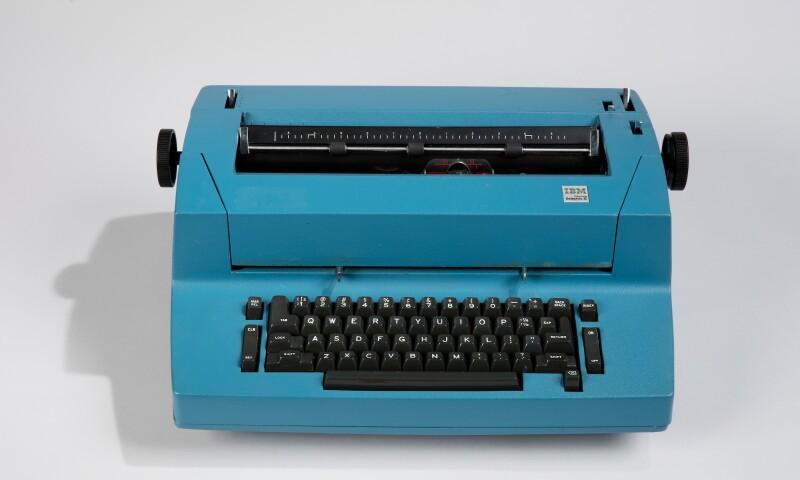 Model 895 Typewriter