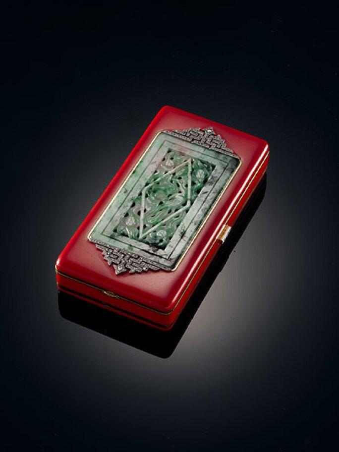 liang-yi-museum-1925-van-cleef-arpels-necessaire-mirror-lipstick.jpg