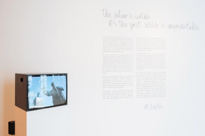 revolutionary-exhibitions-1.jpg