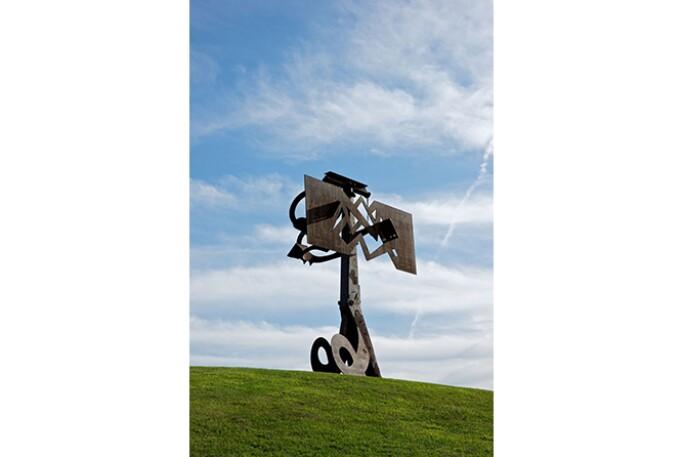 SMN-250817-pix-gm-sculptureparks6-diSuvero.jpg