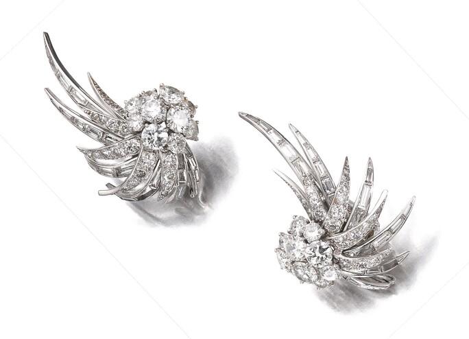 Pair of diamond ear clips, Sterlé,  circa 1960. Estimate CHF 20,000-30,000.