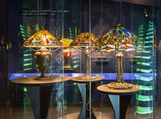 photo-multiple-examples-of-the-dragonfly-shade-in-the-gallery-of-tiffany-blog.jpg