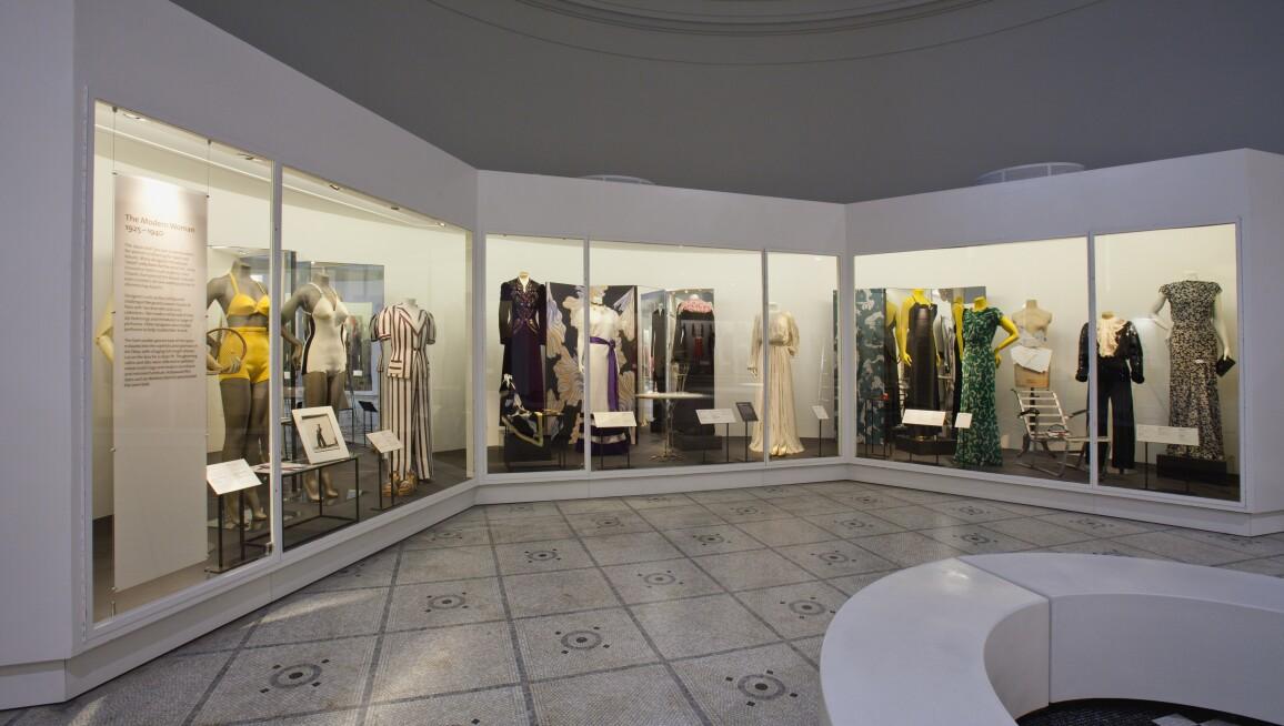 V&A Fashion Gallery